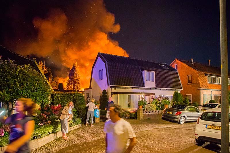 Grote brand Zijtak Laren_17aug2016_2933