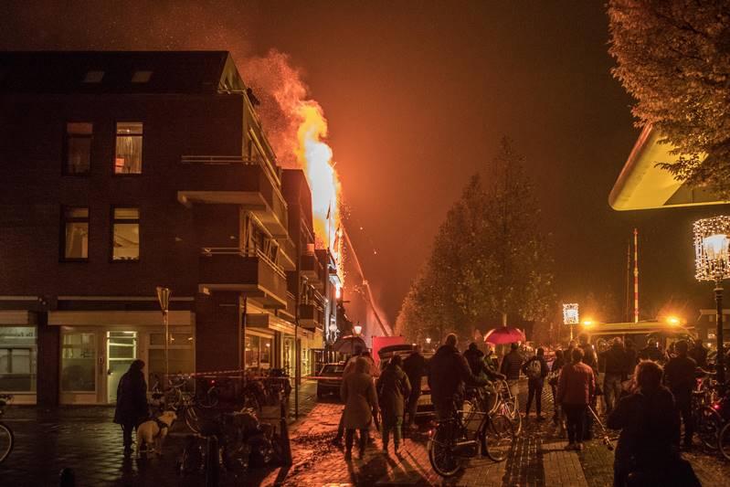 zeer-grote-brand-kerk-in-weesp_09nov2016_7636-kopie