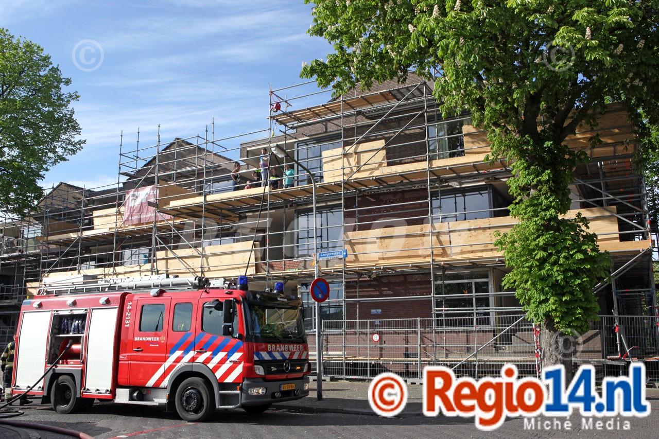 Hulpdiensten_rukken_massaal_uit_voor_woningbrand_in_Hilversum___0132