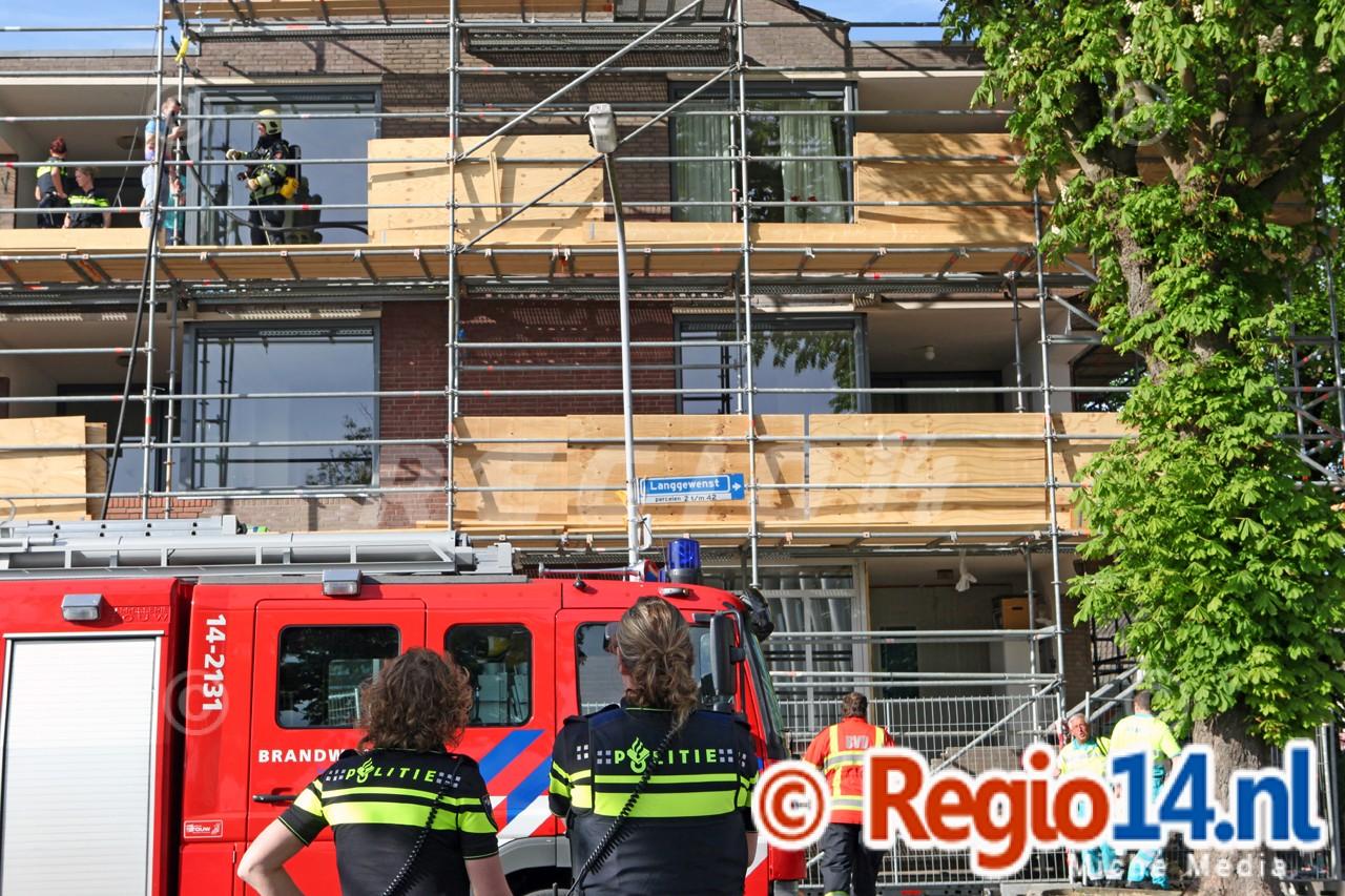 Hulpdiensten_rukken_massaal_uit_voor_woningbrand_in_Hilversum___0136
