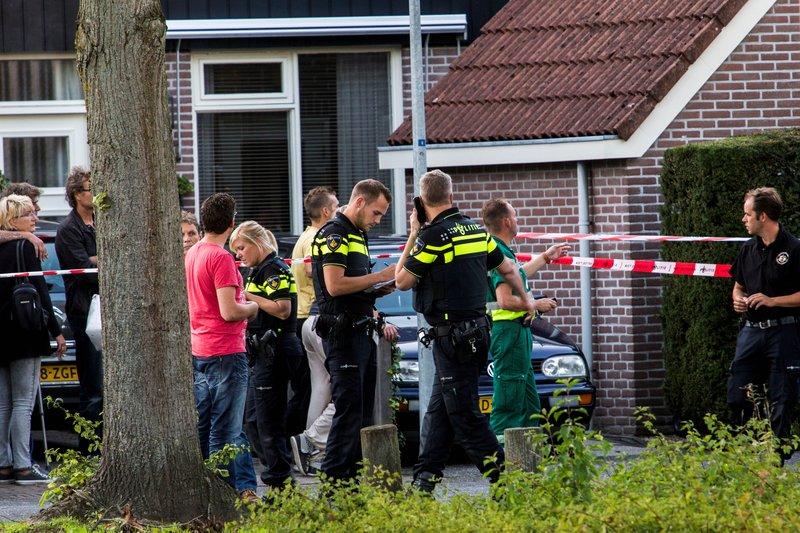 Man in auto doodgeschoten Rendier Huizen_09sep2015_0751