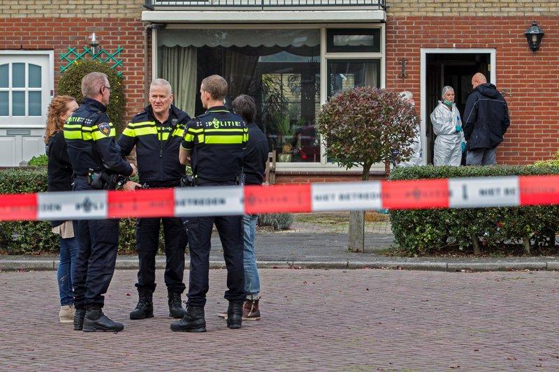 Politie-onderzoek op Comeniushof Hilversum_06nov2015_2575