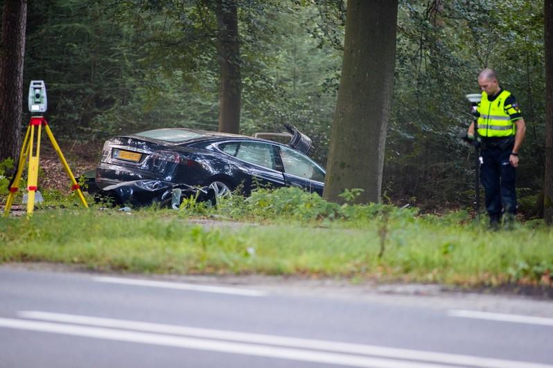 Dodelijk Ongeval met Tesla_07sep2016_1571