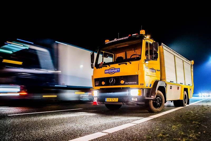 vrachtwagen-in-de-berm-a27_29nov2016_4864-bastiaan-miche