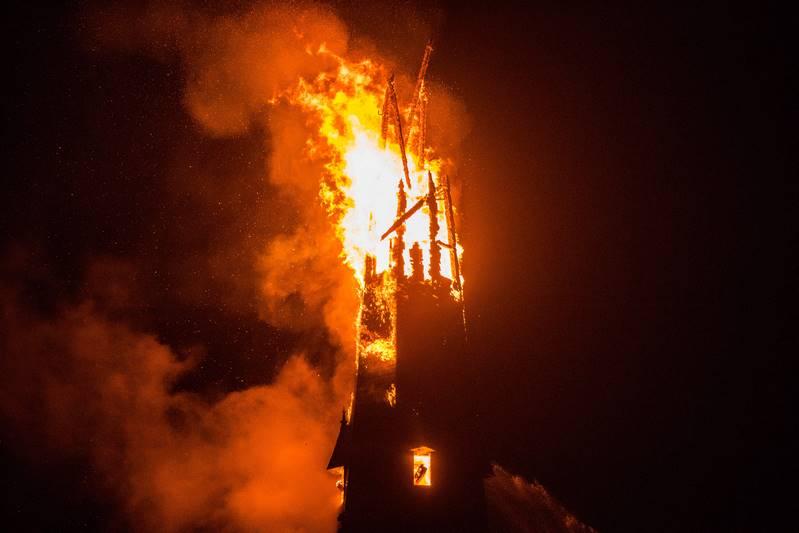 zeer-grote-brand-kerk-in-weesp_09nov2016_7680-kopie